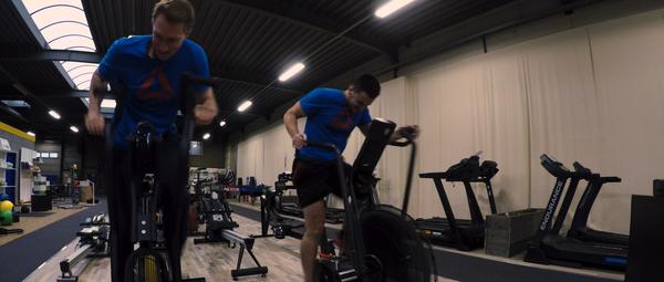 Onze Airbike fitness challenge in volle uitvoering
